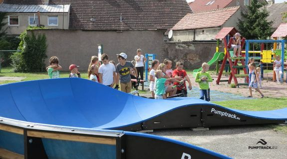 Pumptrack adattato per lo skateboard - Boleszkowice (PL)